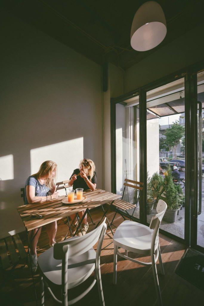 曼谷住宿推薦 2018: good one hostel & cafe bar